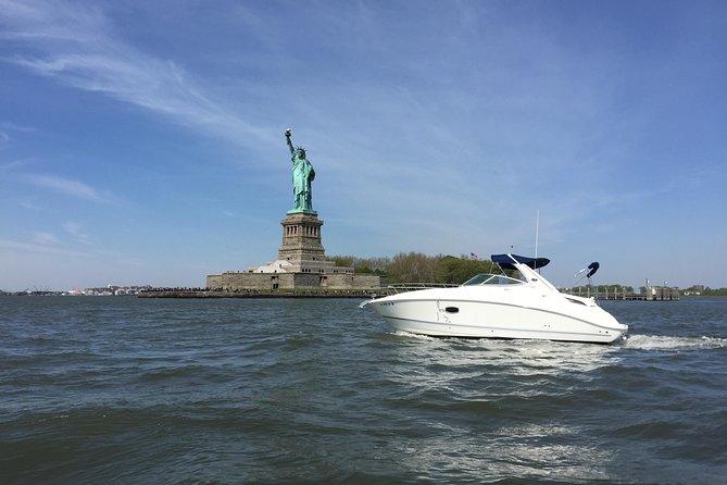 ニューヨークシティーラグジュアリーボートツアー