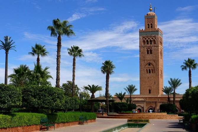 Marrakech Sightseeing Tour with Traditional Moroccan Dinner Entertainment