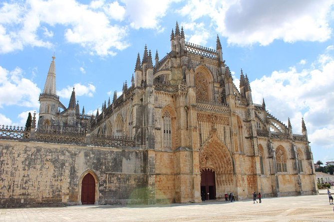 Private tour to Fatima, Nazareth, Óbidos and Batalha