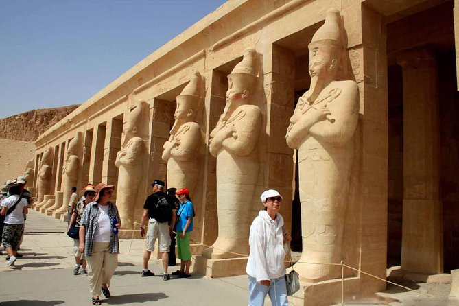 from hurghada to luxor by bus
