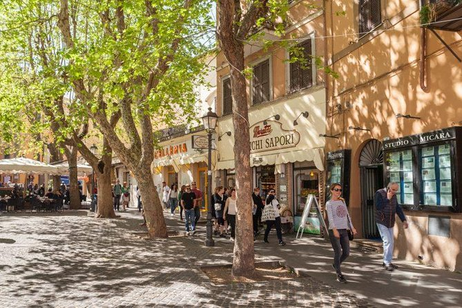 Frascati Wine Tour experience with Lunch in Small Group by Train from Rome