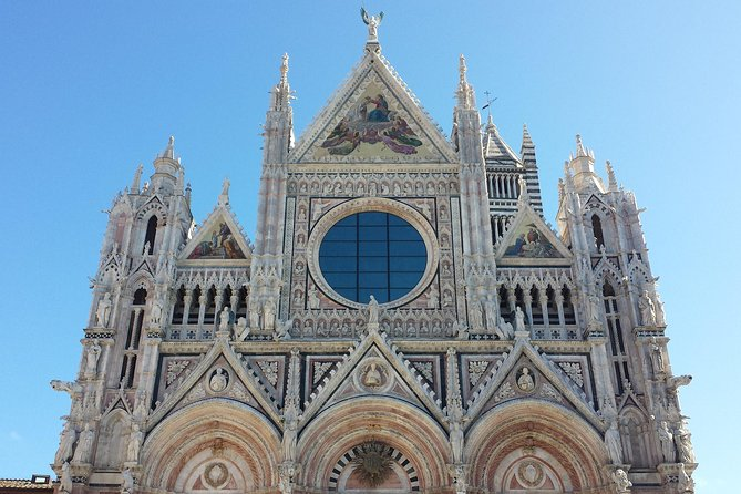 Transfer to Florence, visiting Orvieto from Rome (or in reverse)