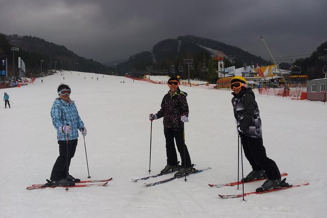 VIP Full package Ski Tour(1:1 Ski Lesson) in Pyeongchang Olympic Resort in Korea