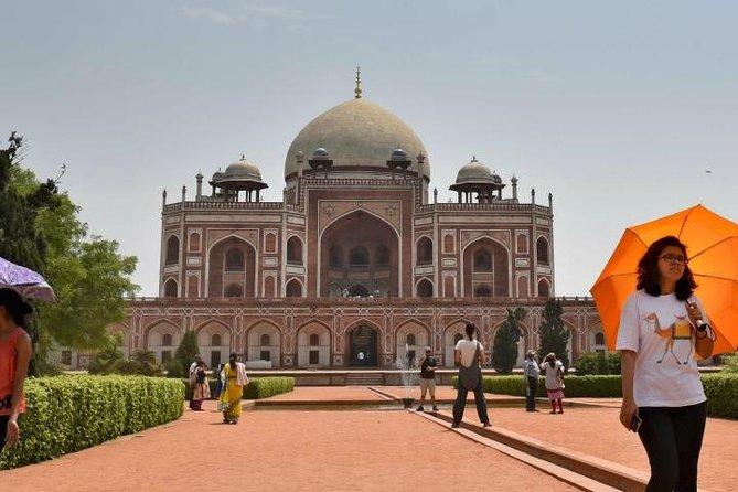 Taj Mahal Guided Tour With Delhi 2 days Transport