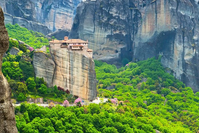 Amazing 2 Days Multiday trip in Greece - Delphi and Meteora Monasteries