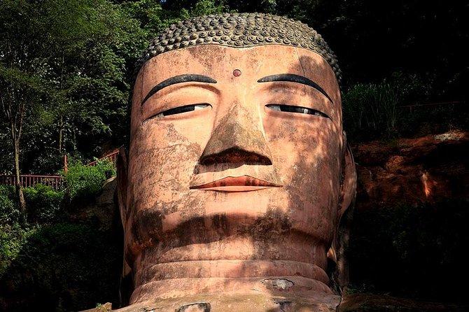 2-Day Private Buddha Path Trip to Leshan Giant Buddha and Mt Emei