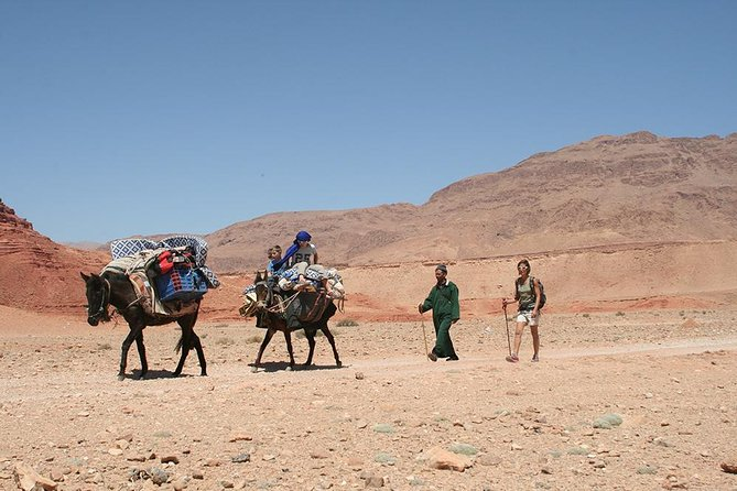 A Itinerant Hiking Trip of 5 Days with Accommodation among