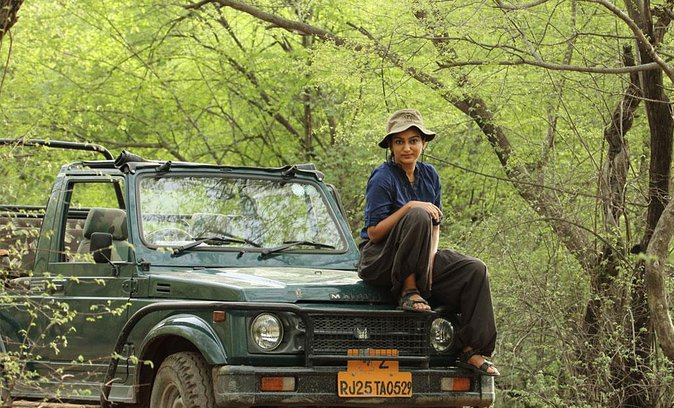 Guided Tour To Ranthambore Fort and Ganesh Temple in a Jeep