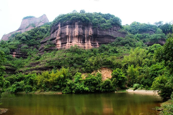 All Inclusive Private Day Trip to Danxia and Nanhua Monastery by Bullet Train from Guangzhou photo 4