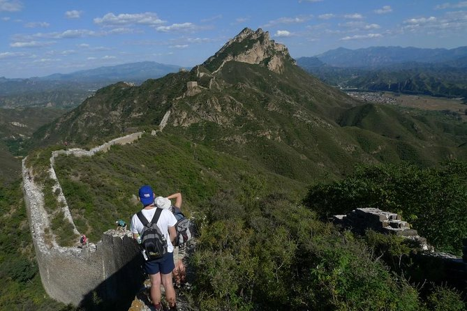 Private Overnight Tour: Hiking to Jiankou Great Wall with Dumpling Cooking Experience in A Local Farmer's House