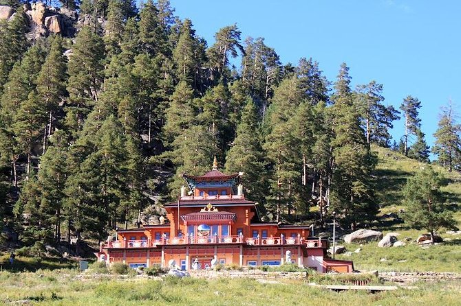 Aglag Buteel Temple with Nomadic Family Homestay