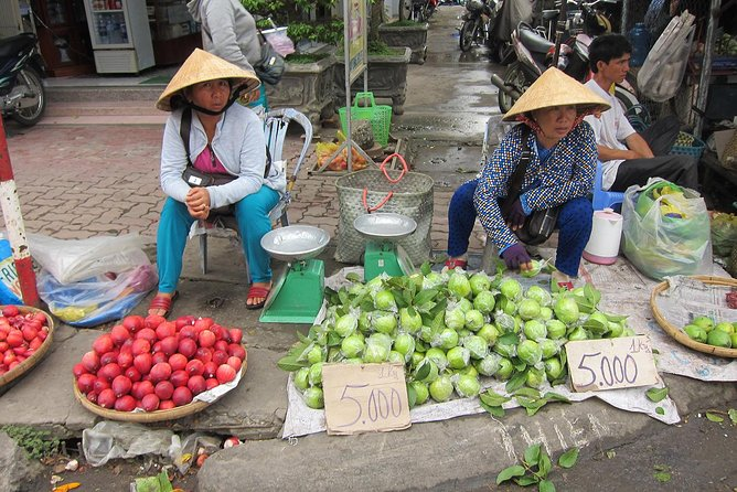 7-Day Vietnam Private Tour to Hanoi, Ho Chi Minh City, and Cruise on Halong Bay