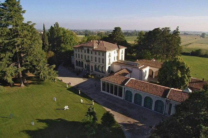 Art and taste tour: from Magnani Rocca to Parma ham