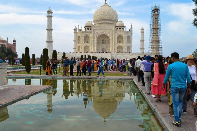 Agra Taj Mahal Sunrise Tour from Delhi photo 8