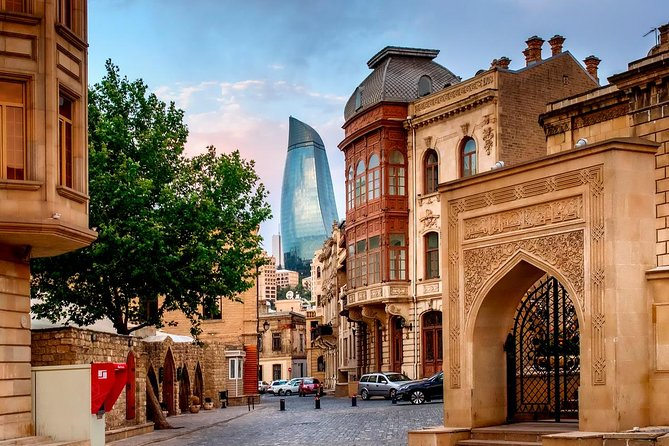 Private tour: 4-day Baku and Shemakha Tour with World's Unique Crude Oil Spa and Azerbaijan Cuisine Cooking Class