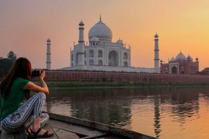 Sunrise Taj Mahal Tour with Agra Fort and Fatehpur Sikri