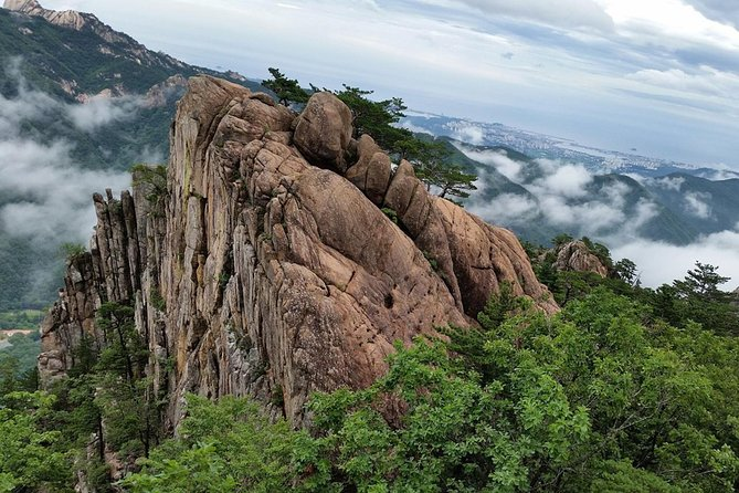 Private Hiking tour in Seorak National Park with Korean authentic chicken soup