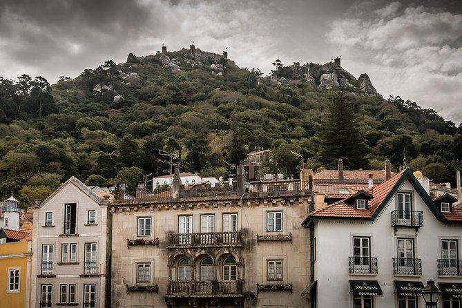 Lisbon: Sintra Day Tour In a Small Group