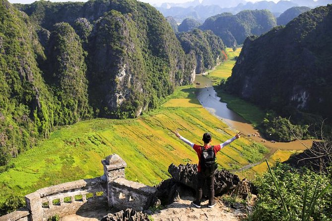 Full Day Hoa Lu - Tam Coc - Mua Cave Small Group Tour With Limousine Bus