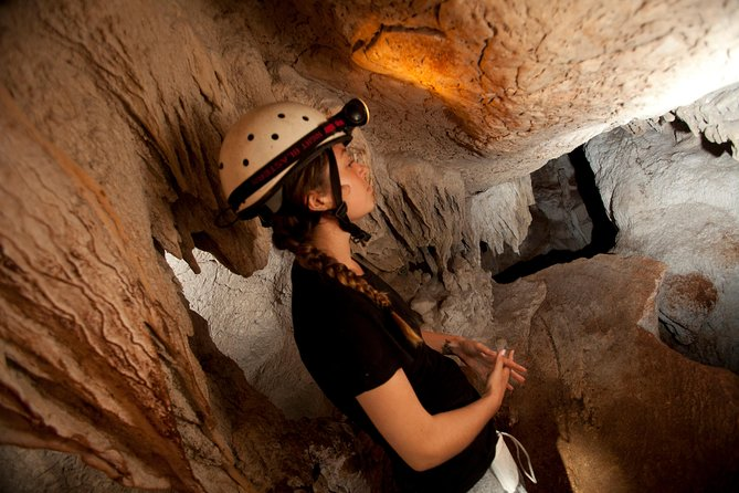 LOST WORLD CEREMONIAL CAVE- Exciting Adventure at Ian Anderson's Caves Branch