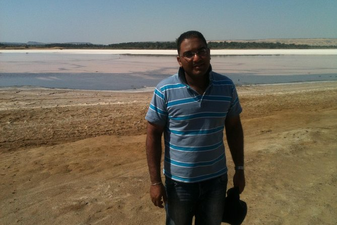 Private Safari trip to Bahariya oasis from Cairo by jeep and tent in desert