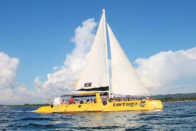 Negril Catamaran Cruise with Sunset at Rick's Cafe