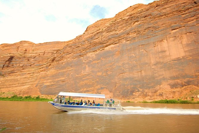 excursion-en-jet-boat-sur-le-fleuve-colorado-a-moab