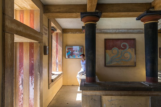Knossos palace, Heraklion walking-tasting tour & Arch. museum of Heraklion photo 8