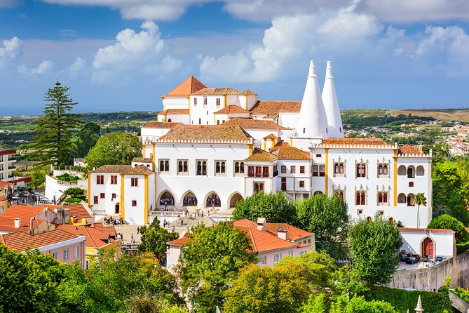 Lisbon: Sintra, Cascais and Estoril Coast Half-Day Trip