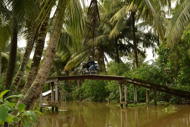 Mekong Delta Tours CanTho 2days - Boat cruise in natural waterways photo 3