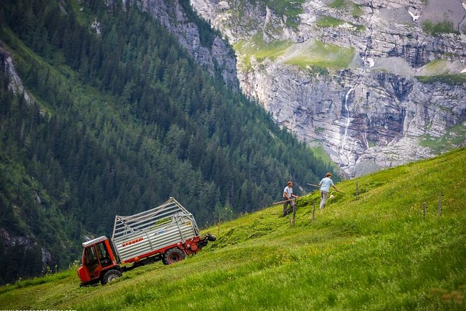 Lauterbrunnen Waterfalls & Mountain View Trail Photo Tour from Interlaken