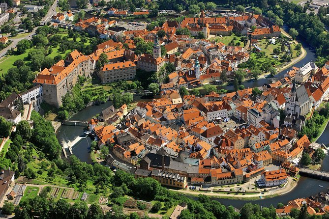 Cesky Krumlov: Full day tour from Prague and back.