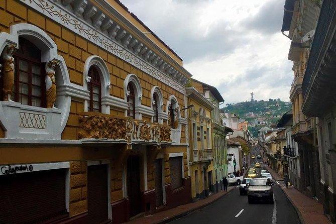9-Day Colonial Quito & Galapagos Island Hopping