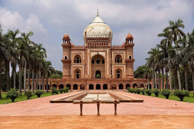 Visit To The Mausoleums Of Delhi