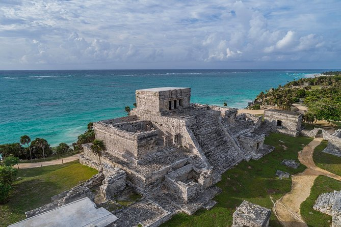 Full-day tour to Tulum and Jungle Maya Native Park with Ziplines & Cenotes