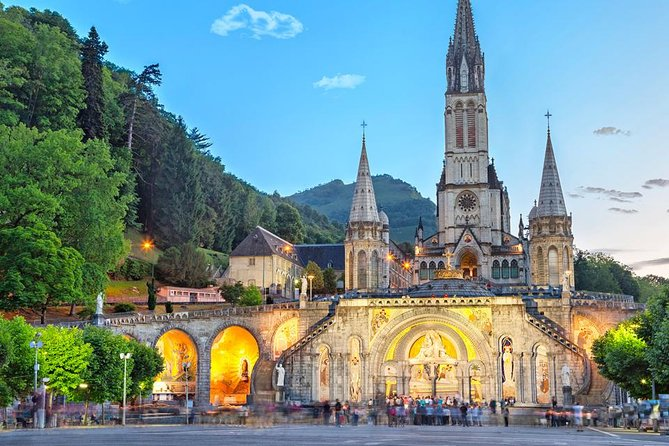 Private Transfer Toulouse / Toulouse Blagnac Airport> Lourdes