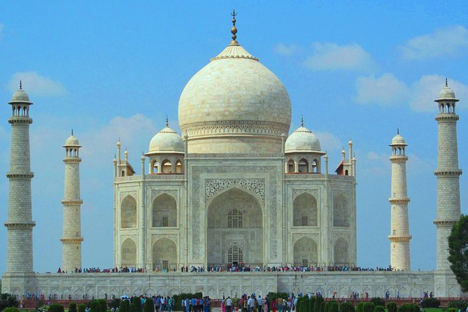 Agra Sightseeing tour Includes Guide and Private Air-Condition vehicle