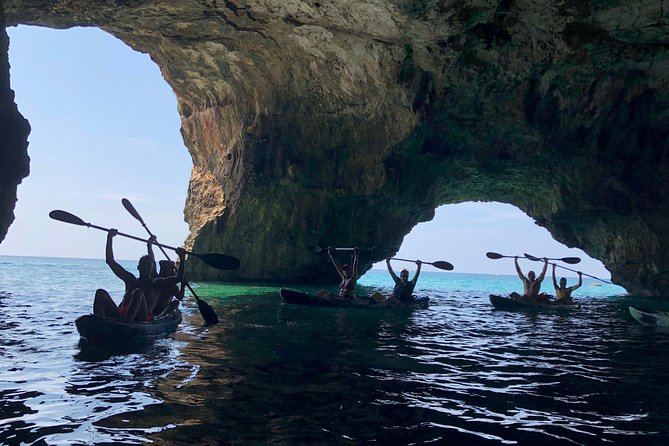 Escursione marina in Kayak: Leuca e le Grotte Marine di Ponente
