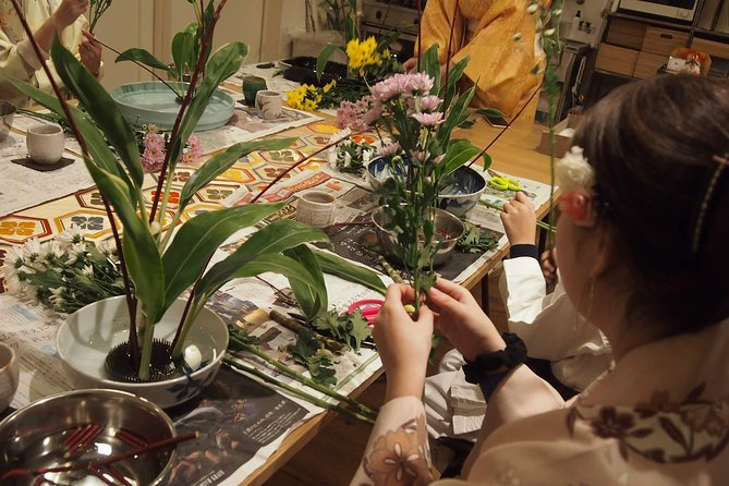 Ikebana (Japanese traditional flower arrangement) class in the center of Kyoto photo 6