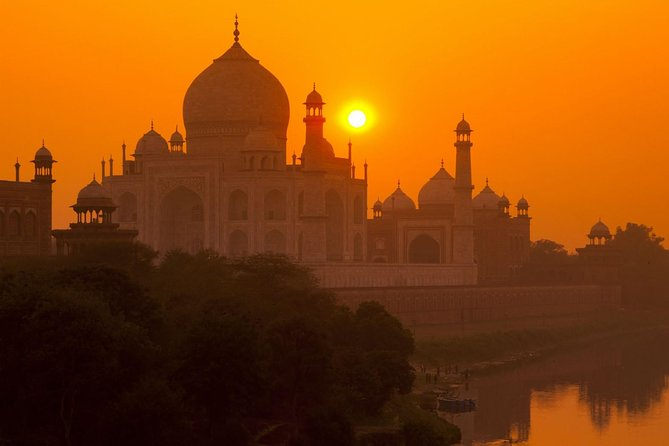 From Delhi: Private Taj Mahal & Agra Tour by Express Train