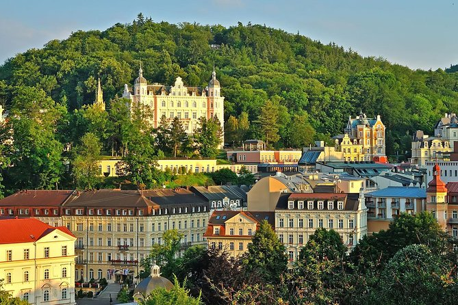 Karlovy Vary plus Loket castle tour