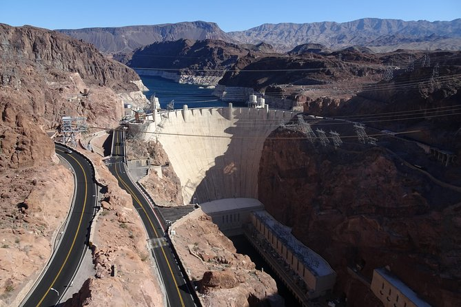 PRIVATE Deluxe Petit Tour of Hoover Dam, Lake Mead and Historic Boulder City
