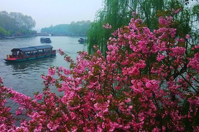 Hangzhou West Lake Tour in Spring