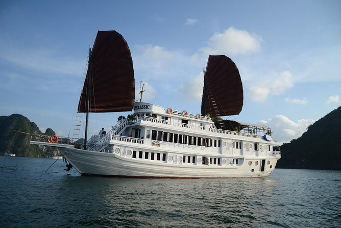 Halong Bay 2 Days 1 Night with 3 Star Cruise