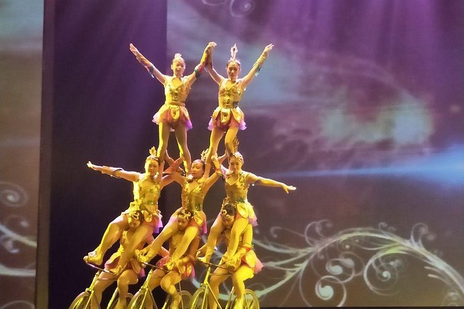 Beijing Acrobatics Night Show photo 2