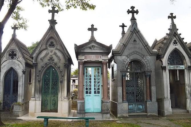 Private Guided Tour to Père Lachaise Cemetery in Paris
