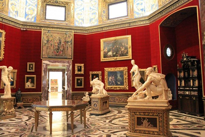 Uffizi Gallery Tour with English Breakfast in the oldest café in Florence