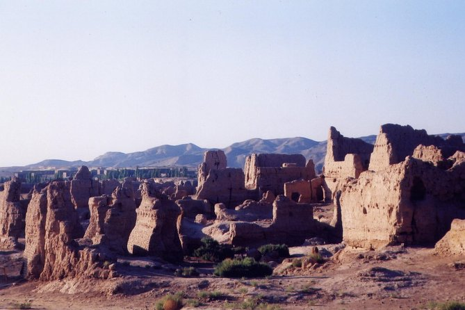 5-Night Private Silk Road Trip from Urumqi to Dunhuang including Hotel Accommodations