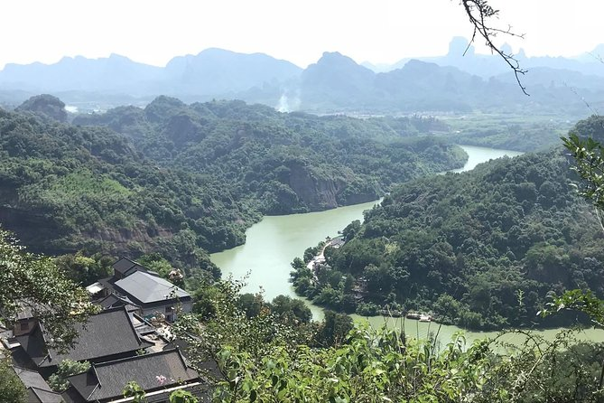 All Inclusive Private Day Trip to Danxia and Nanhua Monastery by Bullet Train from Guangzhou photo 6