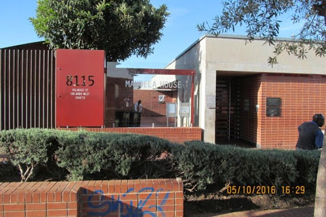 Soweto Half Day Private Tour 4 hours R 1250,00